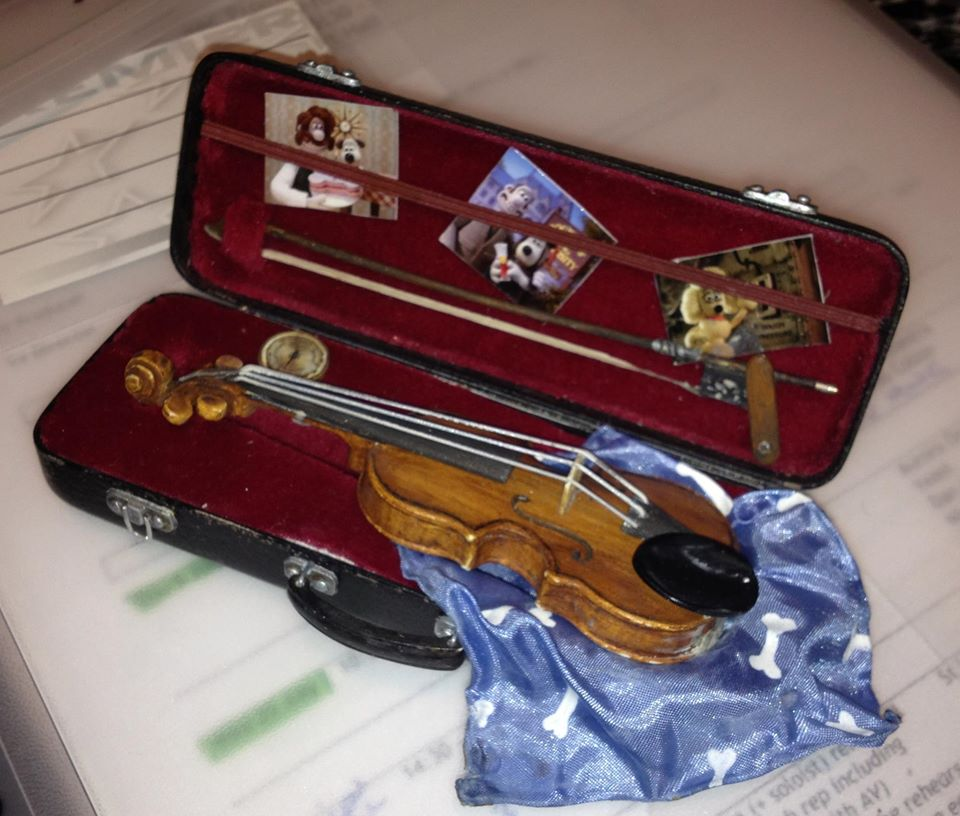 Wallace and Gromit mini violin